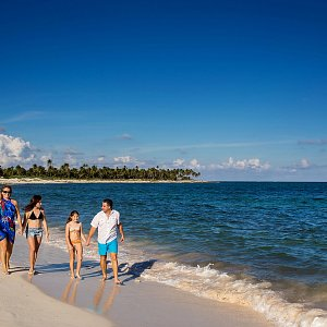 walk-on-the-beach-siankaan-quintana-roo